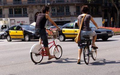 Més de la meitat dels ciclistes se senten vulnerables quan circulen per Barcelona