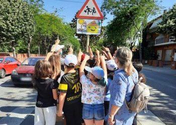 Salt inaugura la senyalització de les rutes escolars